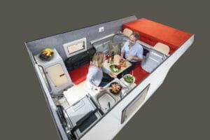 Kochen, Essen, Spielen, Lesen, am Laptop arbeiten - die Kabine bietet genügend Raum.